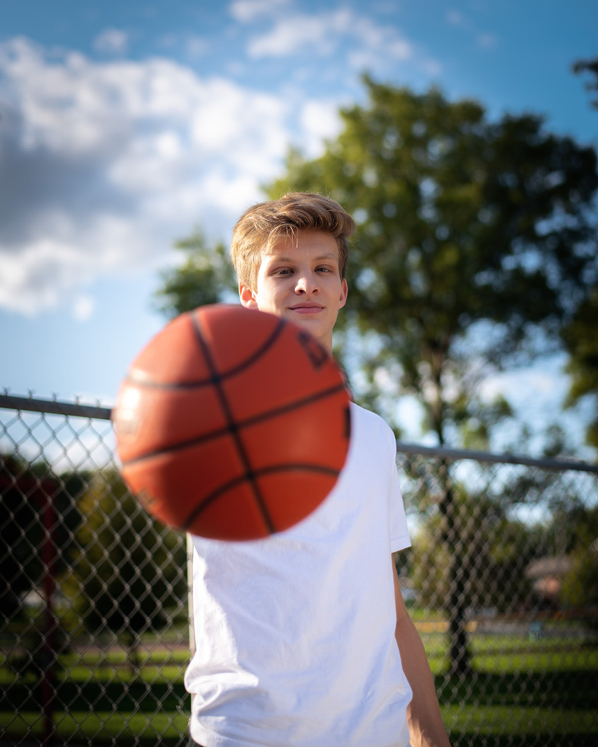 senior-photographer-basketball-nebraska-emdukat-photography