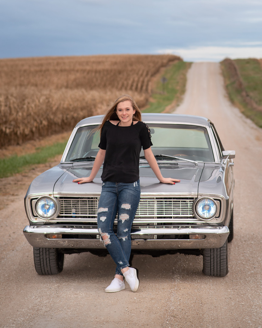 senior-car-dirt-road-photographer-gretna-nebraska-emdukat-photography