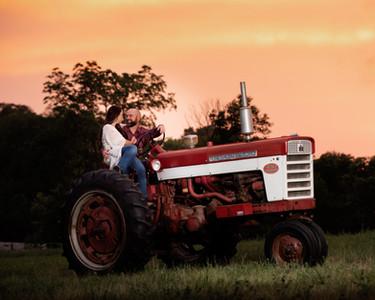 PLATTSMOUTH-NEBRASKA-ENGAGEMENT-FARM-PHOTOGRAPHY-TRACTOR.jpg