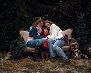Winter-Family-Portrait-Gretna-Nebraska.j