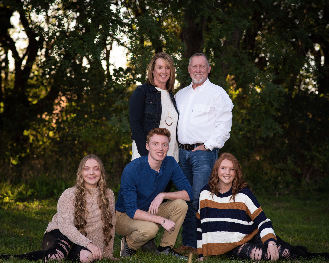 family-portrait-fall-nebraksa-emdukat-photography.jpg