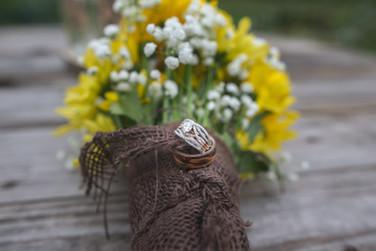ring-bouquet-farm-wedding-iowa-emdukat-photography