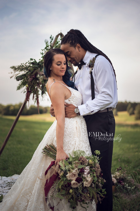 couples-portrait-wedding-photographer-lincoln-nebraska-emdukat-photography