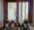 Blick von der Küche auf den Balkon