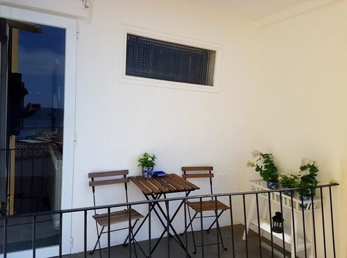 Balkon an Küche