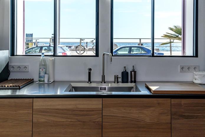 La 23 - Kitchen with Seaview