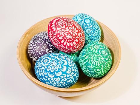 Warum färben wir bunte Ostereier?