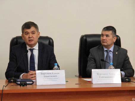 В КазНМУ им. Асфендиярова прошел круглый стол с участием министра здравоохранения Е.Биртанова