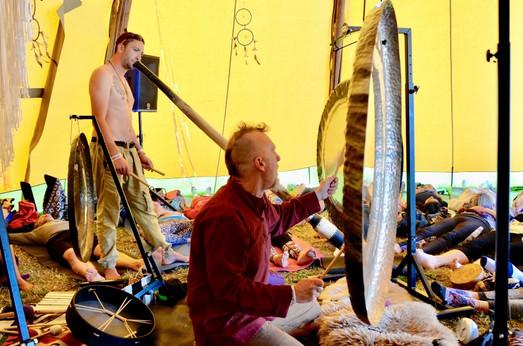 Gong performance at Soul Circus Festival 2018, Paul Dane, Gongspace