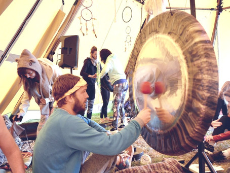 10 Ways to host a great gong soundbath.