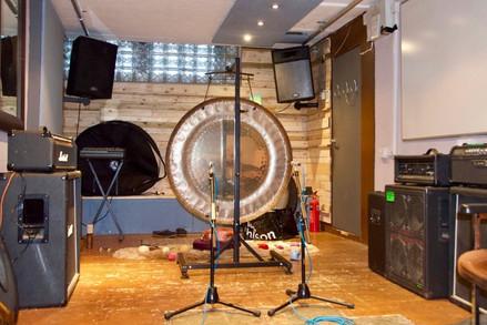 Gongs in the recording studio
