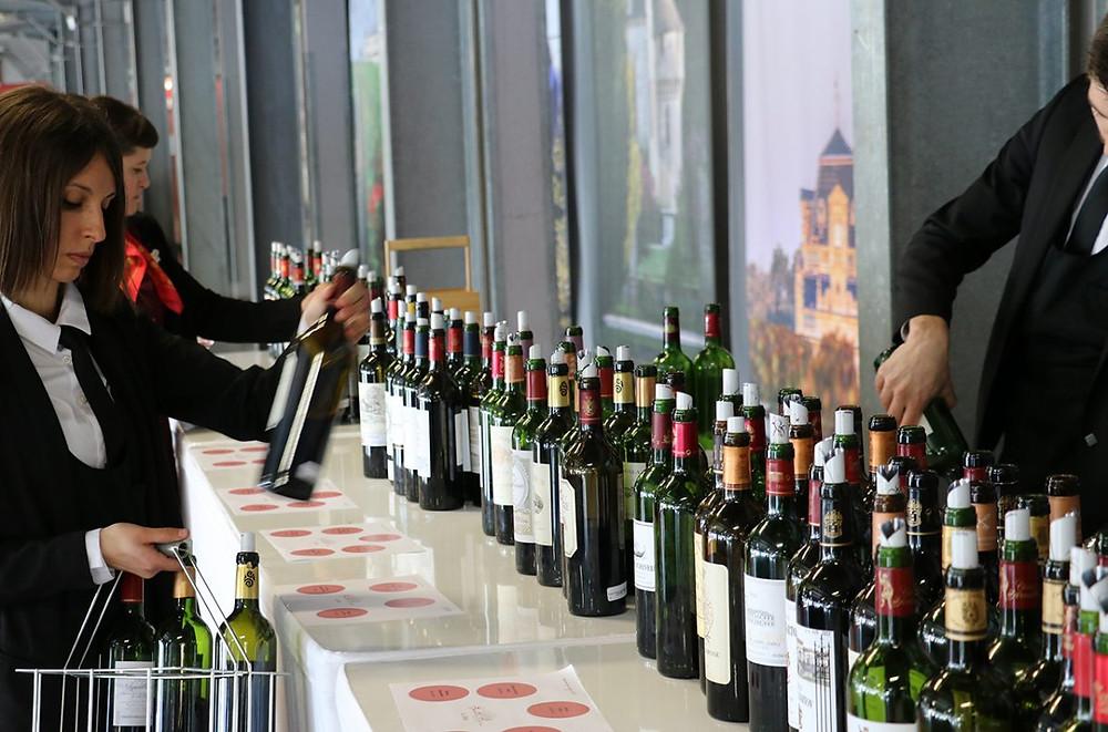 Bordeaux en primeur tasting - Credit: Decanter