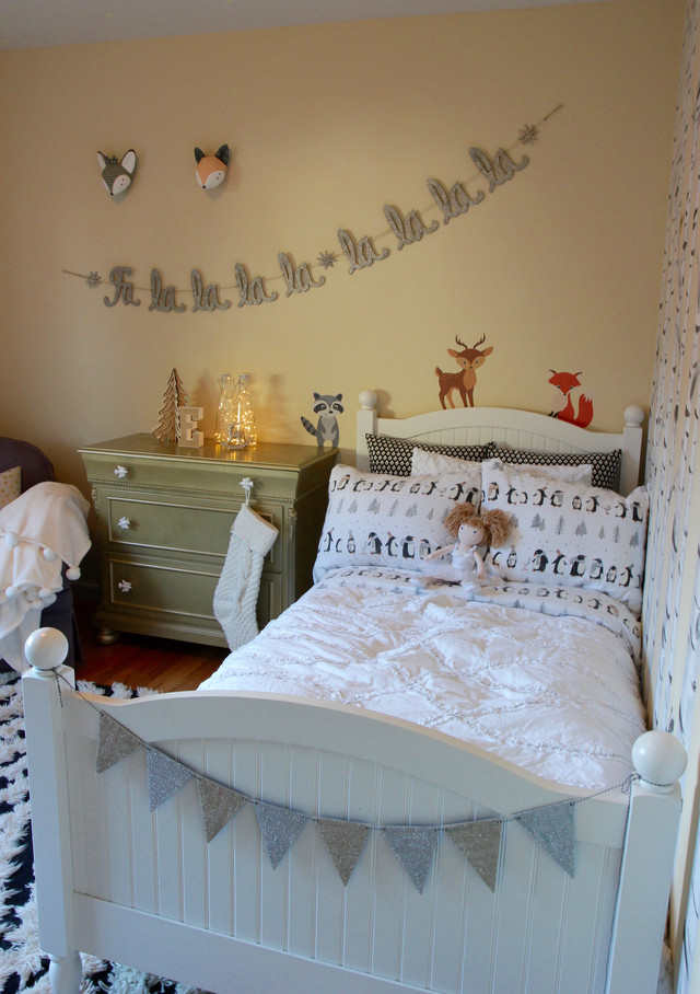 Easy Ways to Make a Festive Kids Room for the Holidays