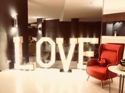 Flashletters_-_LOVE_-_NH_Hôtel_01