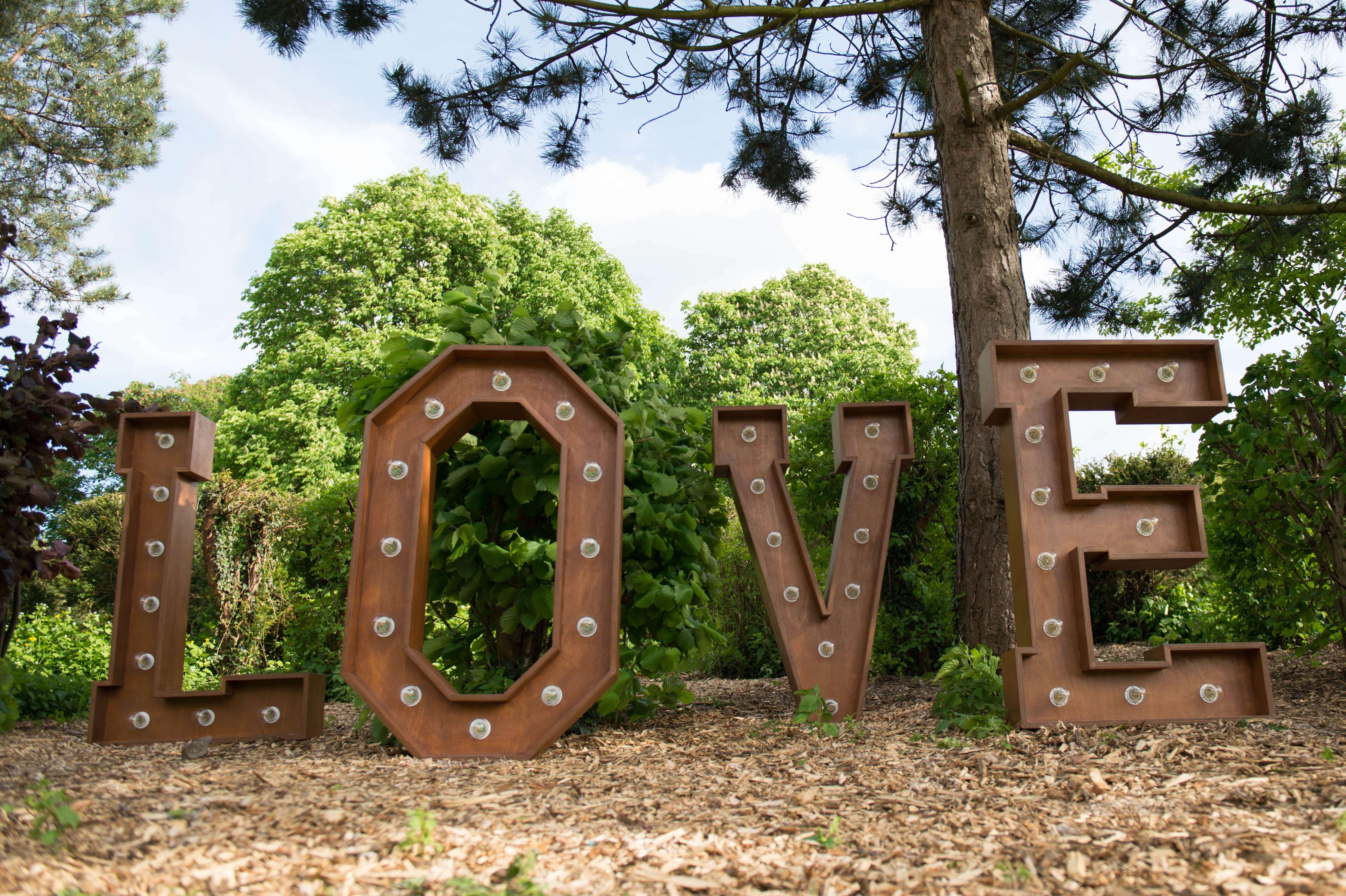 FL - LOVE