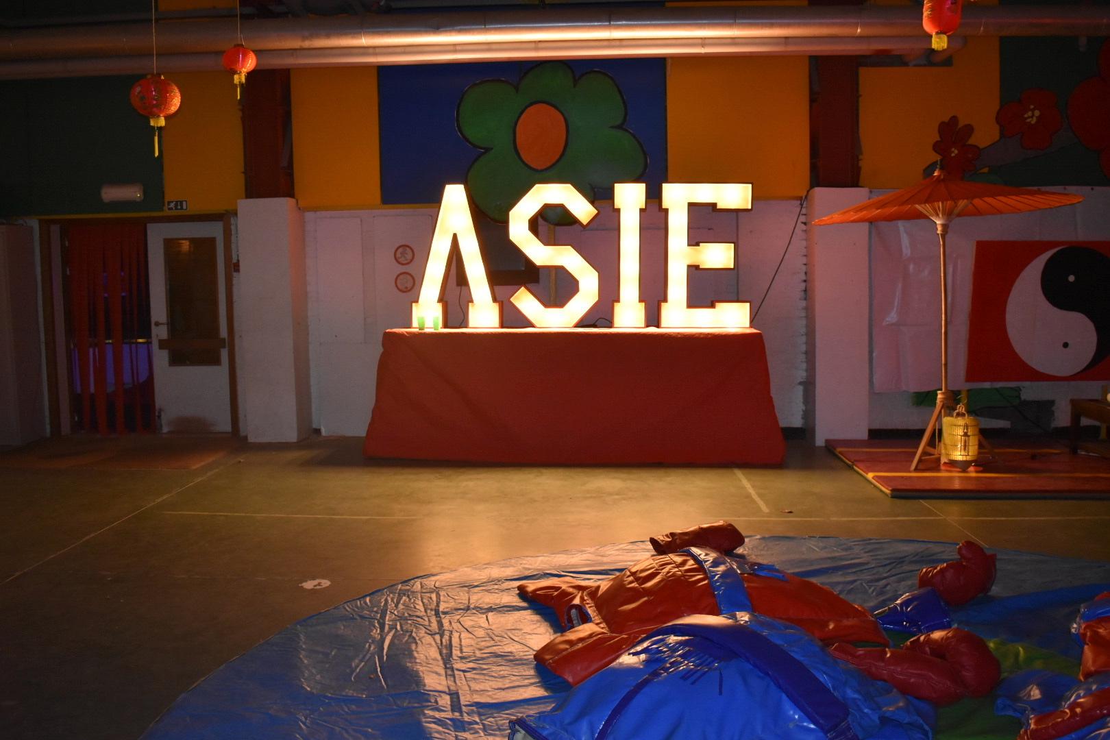 Flashletters - Asie