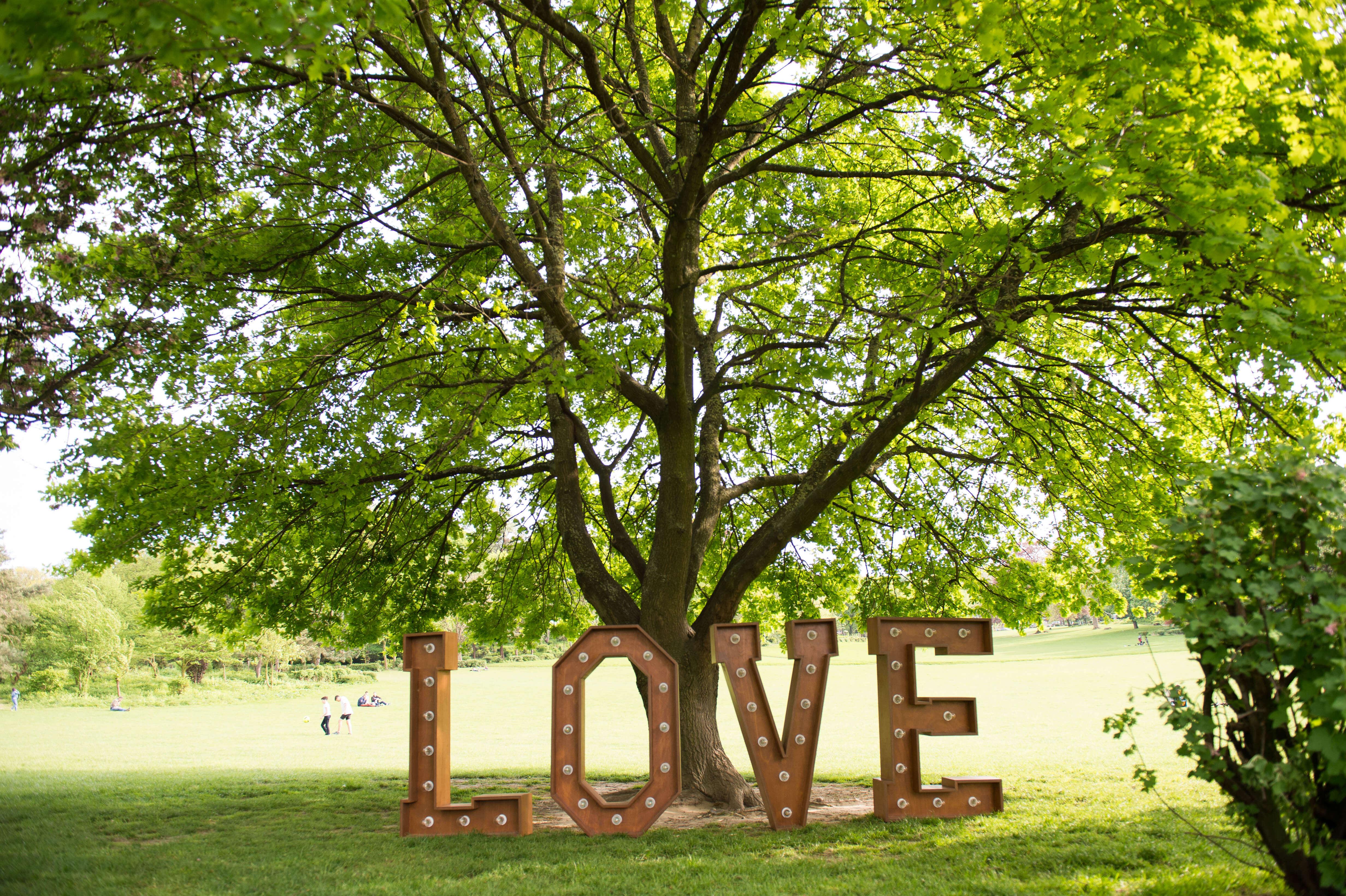 FL - LOVE - Parc Duden