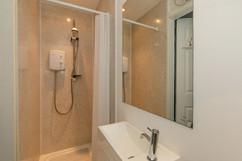32-ShowerRoomOneA.jpg