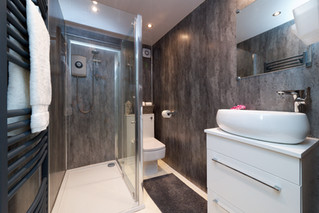 41-Bathroom-01.jpg