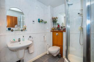7.showerroom(1).jpg