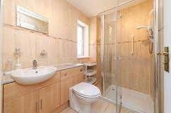 26-Bathroom-01.jpg