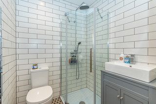 9.showerroom(1).jpg