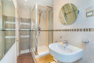 10.shower(2).jpg