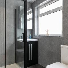 22-ShowerRoomB.jpg
