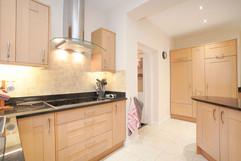 5.kitchenandutilityroom(9).jpg