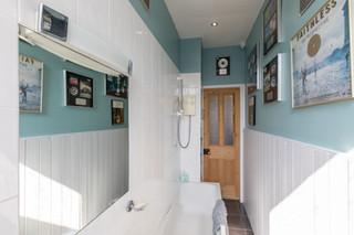 24-BathroomC.jpg