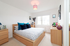 32-Bedroom2-01.jpg