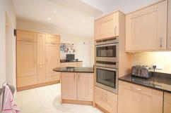5.kitchenandutilityroom(8).jpg
