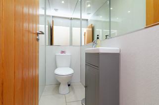 DownstairsBathroom-01.jpg