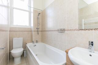 27-BathroomA.jpg
