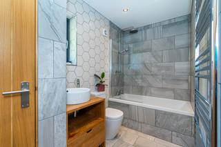 8.bathroom(3).jpg