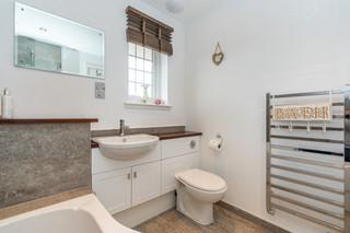 11.bathroom(2).jpg