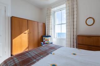 17bedroom1.jpg