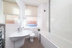 28-Bathroom-02.jpg