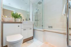 7.bathroom(1).jpg