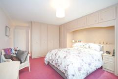 7.bedroom1withen-suite(5).jpg