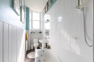 22-BathroomA.jpg