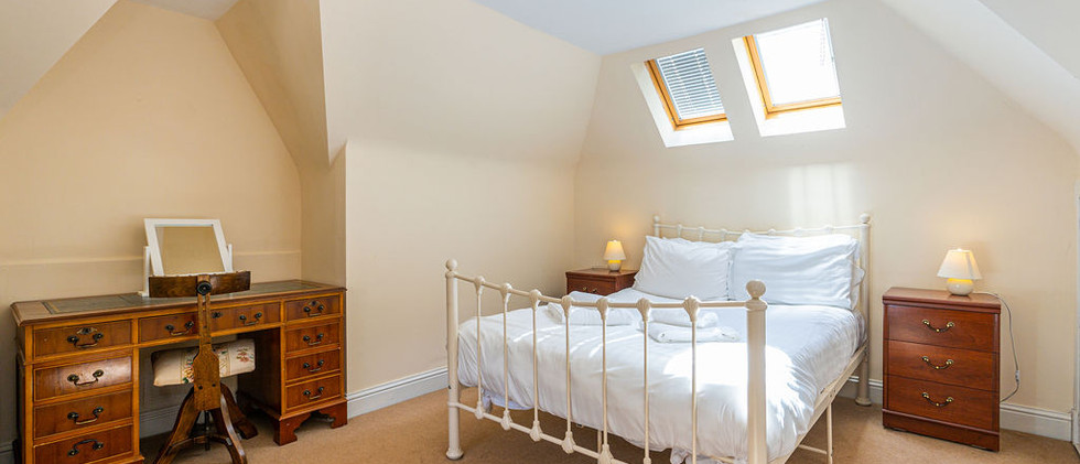 3.upstairsen-suite(11).jpg