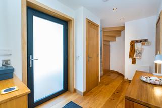 2.hallwaysstaircaselandings(3).jpg