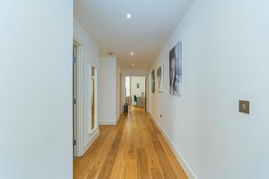 2.hallway(1).jpg