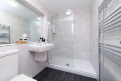 23-Bathroom-01.jpg