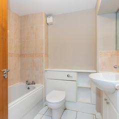 25-BathroomB.jpg