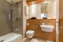 39-Bathroom.jpg