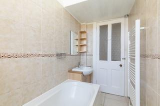 28-BathroomB.jpg