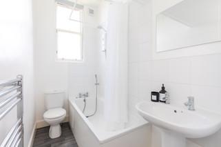 23-BathroomA.jpg