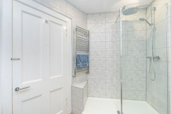 7.showerroom(2).jpg